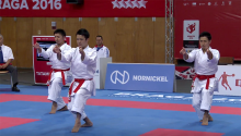 男子団体形金メダルのチーム帝京